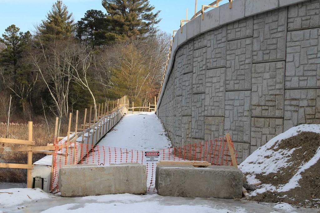 January 2017 - Access to the bridge Photo: Larry Bruns